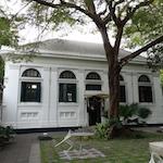 Neilson Hays Libraryはカフェもあって都会のオアシスだった。