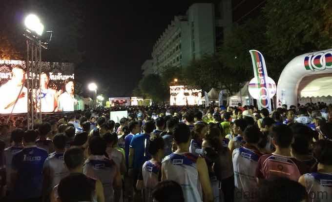 バンコクマラソンスタート前の写真