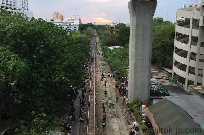 BTSパヤタイ駅からの風景